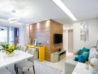 Modern living room by Vanda Carobrezzi - Design de Interiores Modern