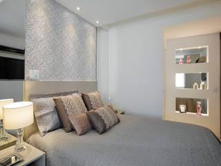 Modern style bedroom by Vanda Carobrezzi - Design de Interiores Modern