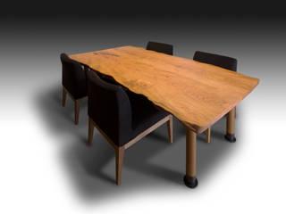 高さ調節機能付き 山桜特注テーブル: 西村章デザイン事務所が手掛けたです。