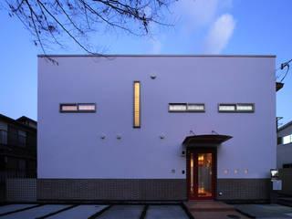 外観 ①: 上原一朗建築造形研究所が手掛けた家です。