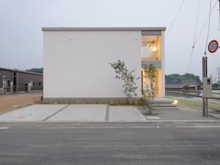 風景のある家.LLC Industrial style houses Concrete White