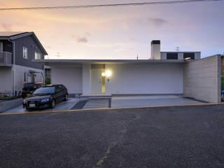 みなも ミニマルな 家 の 風景のある家.LLC ミニマル コンクリート