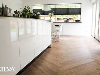 Keuken | PVC visgraat vloer:  Eetkamer door Zilva Vloeren