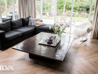 Living | PVC visgraat vloer:  Woonkamer door Zilva Vloeren
