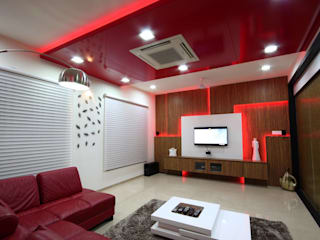 Mr. Basheer Residence at Kumbakonam:  Living room by Dwellion