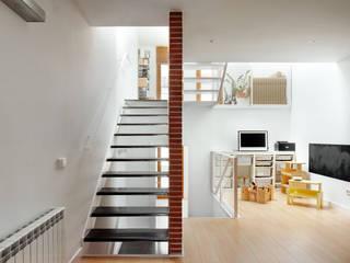 Corridor, hallway by Vallribera Arquitectes