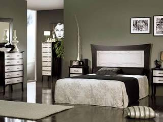 Dormitorio modelo Luis XV en color wengué/plata:  de estilo  de INFUDEA, SL