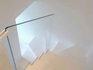 casa alessia Ingresso, Corridoio & Scale in stile moderno di maria adele savioli architettura Moderno