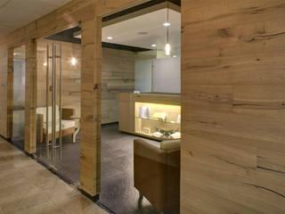 Oficinas y bibliotecas de estilo moderno de RIMA Arquitectura Moderno