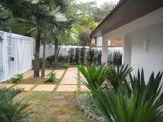 Reforma de residência City Boaçava: Casas  por Canto Projetos e Construções