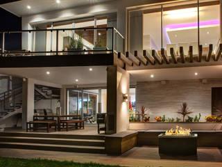 Patio Casas modernas de SZTUKA Laboratorio Creativo de Arquitectura Moderno Madera Acabado en madera