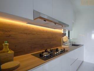 BTO Dawson:  Kitchen by Designer House,Modern