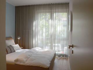 HOME made by Heike Mayer의  침실
