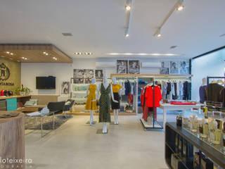 Locaux commerciaux & Magasin modernes par Estúdio Kza Arquitetura e Interiores Moderne