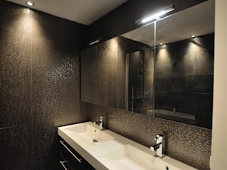 AGZ badkamers en sanitair ห้องน้ำที่เก็บของ ไม้ Brown