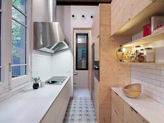 Vivienda bajos Madrazo: Cocinas de estilo  de MIRIAM CASTELLS STUDIO