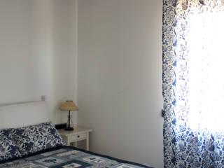HABITACION Dormitorios mediterráneos de RIBA MASSANELL S.L. Mediterráneo Madera Acabado en madera