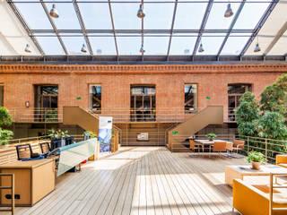 Office buildings by Luzestudio Fotografía