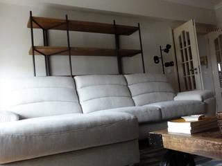 Scandinavian style living room by ARQAMA - Arquitetura e Design Lda Scandinavian