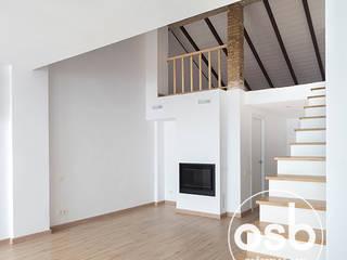 Mediterranean style living room by osb arquitectos Mediterranean