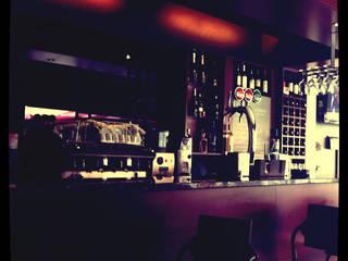 suguidesign Minimalist bars & clubs Wood Brown