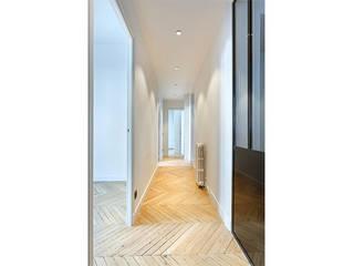 Appartement de 220 m2 - Paris 17e AD9 Agencement Couloir, entrée, escaliers modernes