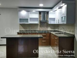 by Cocinas Integrales Olmedo Ortiz Sierra Сучасний