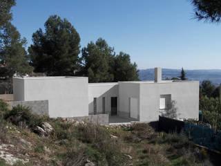 Casas de estilo mediterraneo por Robert Arquitectes