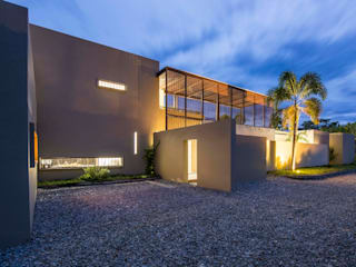 Nhà để xe/nhà kho phong cách tối giản bởi David Macias Arquitectura & Urbanismo Tối giản