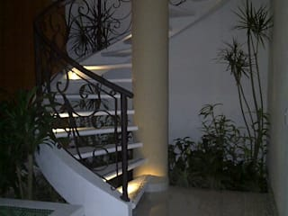 I.S.T.M.O. CONSTRUCCIONES Modern Corridor, Hallway and Staircase Reinforced concrete