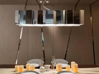 Salle à manger de style  par KD Panels