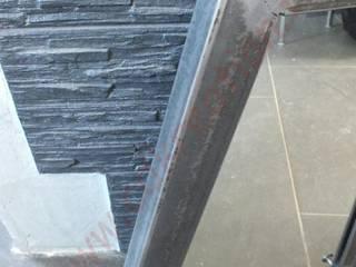 Support clé mural style industriel en acier brut traité et patiné avec miroir par CdrikDesign&Kreation Industriel