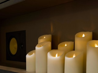 Electric candles Crestron Ruang Media Modern