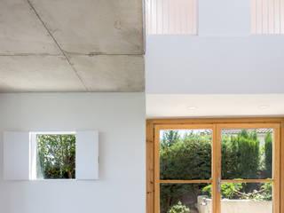 Casa Palau | Joaquin Antón & Javier Luri - wearenear Simon Garcia | arqfoto Pasillos, vestíbulos y escaleras modernos