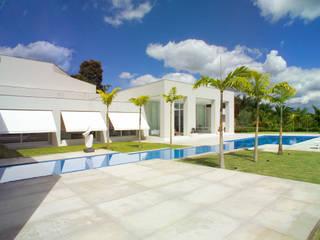 Casa Mangabeiras 2 モダンスタイルの プール の Lanza Arquitetos モダン