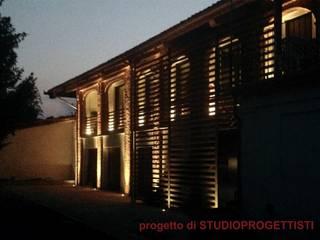 Casas de estilo rural de StudioProgettisti - Nevio Maero Rural