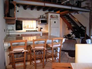 Kitchen by ARREDAMENTI VOLONGHI s.n.c., Classic