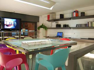 Estudios y biblioteca de estilo  por STUDIOTALENT srl