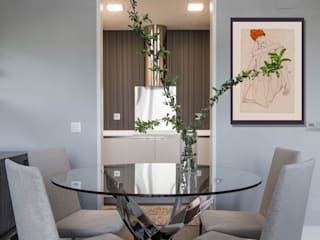Dining room by Interiorismo Paloma Angulo, Modern