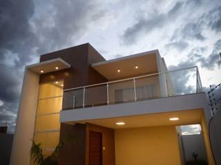 Modern houses by Renato Medeiros Arquitetura Modern