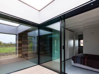 Casa MCR: Terrazza in stile  di CN10 ARCHITETTI