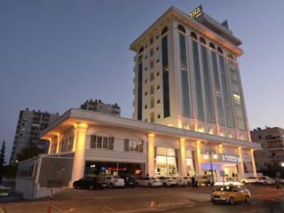 YASEMİN ALTINOK MİMARLIK – Navona Otel / Mersin:  tarz