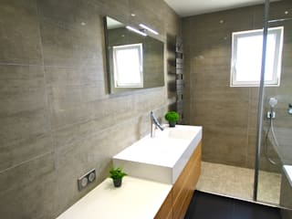 Une salle de bains contemporaine, un mélange de nature et modernisme RG Intérieur