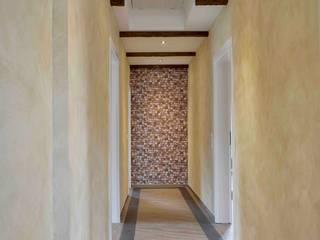 乡村风格的走廊,走廊和楼梯 根據 Raumausstatter Vonderschmitt 鄉村風