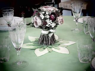 Interni Sala da pranzo in stile classico di Carla Costa Classico