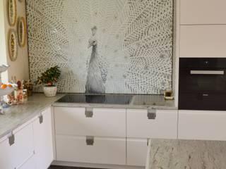 Modern kitchen by Mosaico Arte e Mestieri - Pracownia mozaiki artystycznej Modern