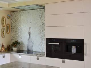 Eclectic style kitchen by Mosaico Arte e Mestieri - Pracownia mozaiki artystycznej Eclectic