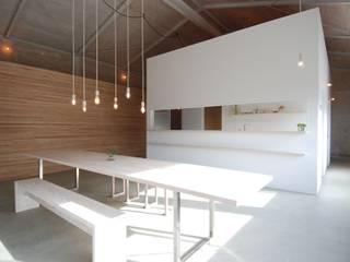 株式会社PLUS CASA Eclectic style dining room