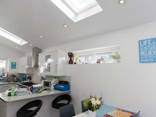 Stonechat close Dapur Modern Oleh Hampshire Design Consultancy Ltd. Modern