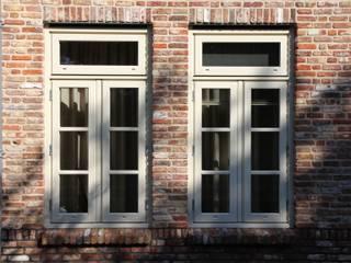 Engelse cottage in het Groene Hart Landelijke ramen & deuren van OX architecten Landelijk